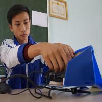 Nam sinh sáng chế máy chống ngủ gật cho các tài xế