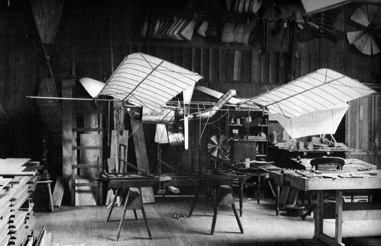 Máy bay Aerodrome Number 5 của Samuel Langley.