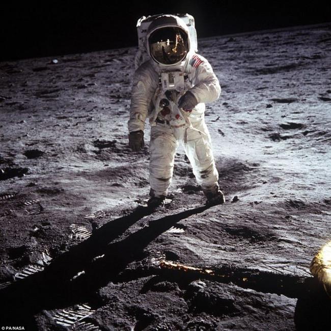 Phi hành gia Buzz Aldrin bước trên mặt trăng vào ngày 20/7/1969.