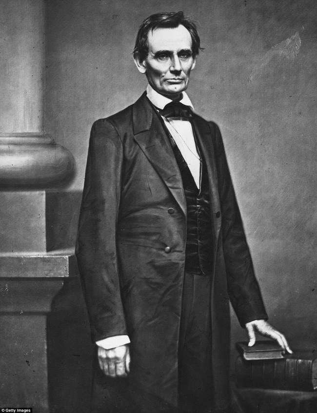 """Chân dung Tổng thống Abraham Lincoln, nhà lãnh đạo của """"sự tự do""""."""