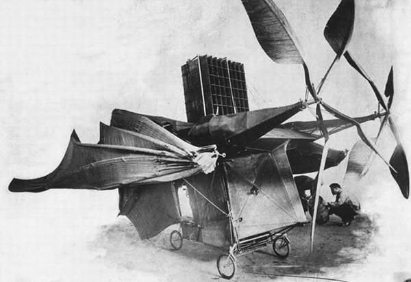"""Máy bay """"Éo le"""" của Clément Ader."""