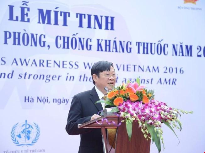 Thứ trưởng Nguyễn Viết Tiến phát biểu tại lễ mít tinh.
