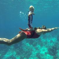 Video: Bé 3 tuổi lặn không cần bình oxy ở độ sâu 10m