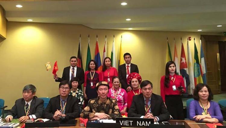 """Đoàn Việt Nam bảo vệ thành công hồ sơ di sản """"Thực hành Tín ngưỡng Thờ Mẫu Tam phủ của Người Việt"""" tại UNESCO."""