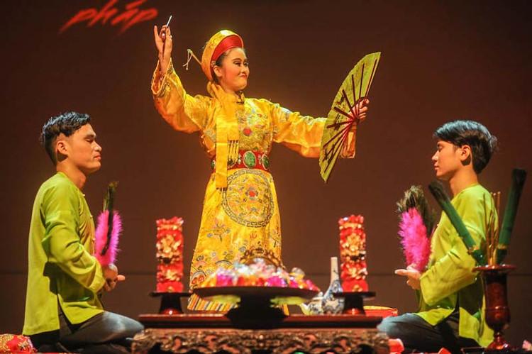 Tín ngưỡng thờ Mẫu là một tín ngưỡng dân gian thuần Việt, đã có lịch sử từ rất lâu.