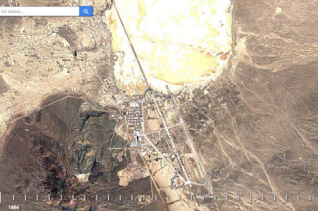 Ảnh cắt từ video time lapse của Google Earth chụp Vùng 51.