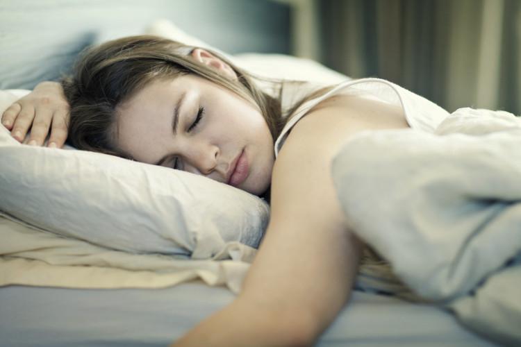 Ngủ khi đang cáu giận sẽ khiến ngày mới của bạn trở nên thật tồi tệ.