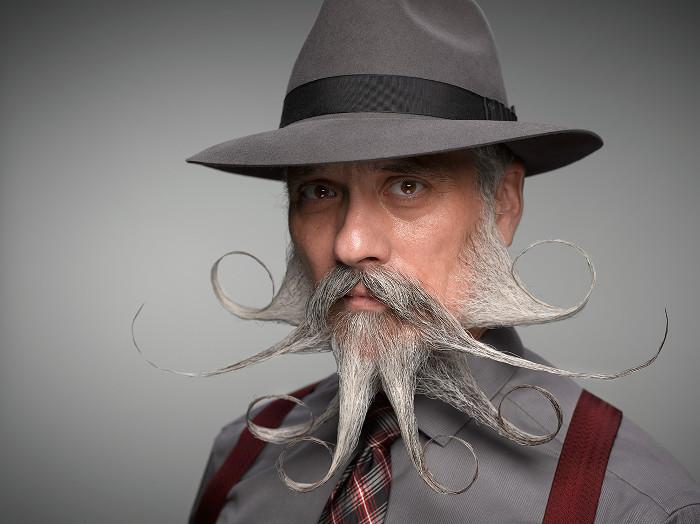 Nếu muốn có một bộ râu sạch sẽ, những người có râu nên chịu khó rửa tay và không nên dùng tay lau mặt.