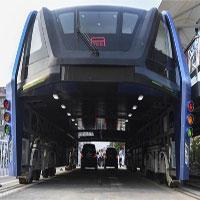 """""""Xe buýt bay"""" Trung Quốc đắp chiếu hai tháng do cạn tiền"""