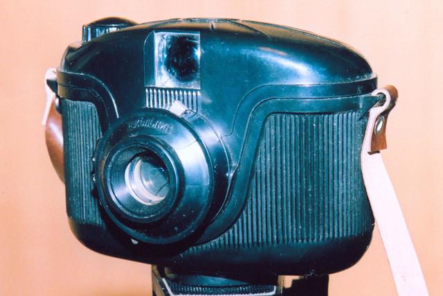 """""""Skolnik"""" là chiếc máy ảnh dạng hộp tầm trung được sản xuất từ những năm 1962-1969 tại Nhà máy chế tạo máy xây dựng Minsk."""