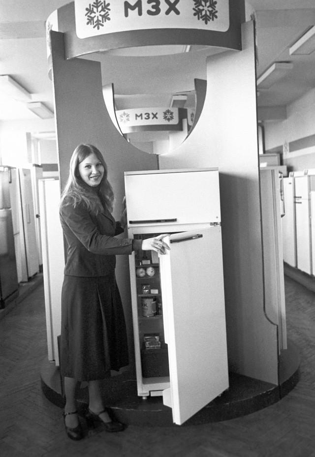 """Tủ lạnh """"Minsk-15"""" – đây là chiếc tủ lạnh đầu tiên sử dụng polyurethane để cách nhiệt giữa các ngăn."""