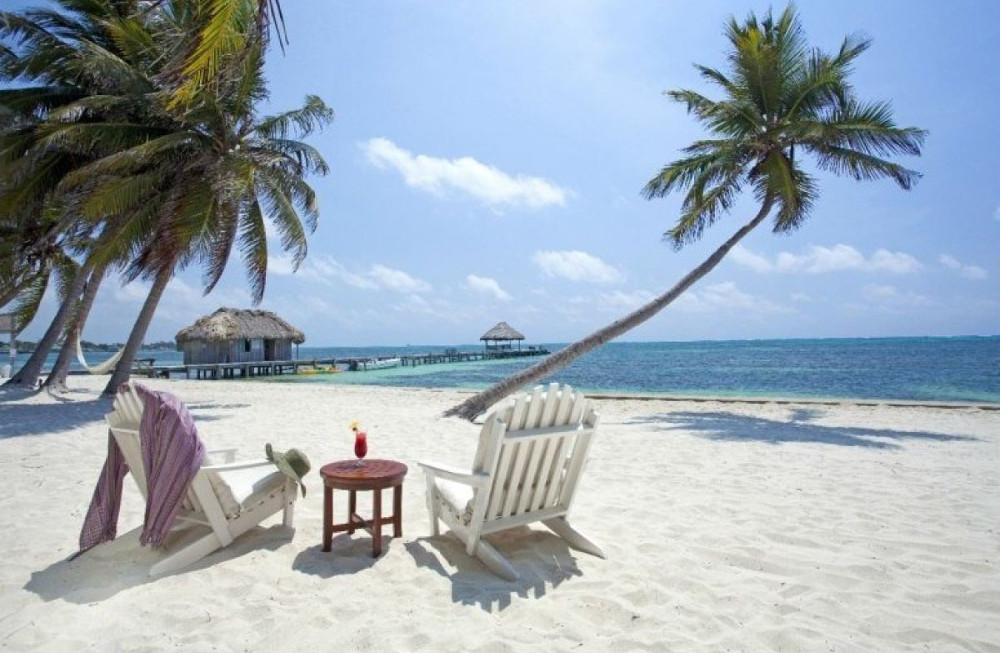 Thứ lành lạnh duy nhất mà bạn có thể cảm nhận ở Belize chính là những viên đá trong ly cocktail.