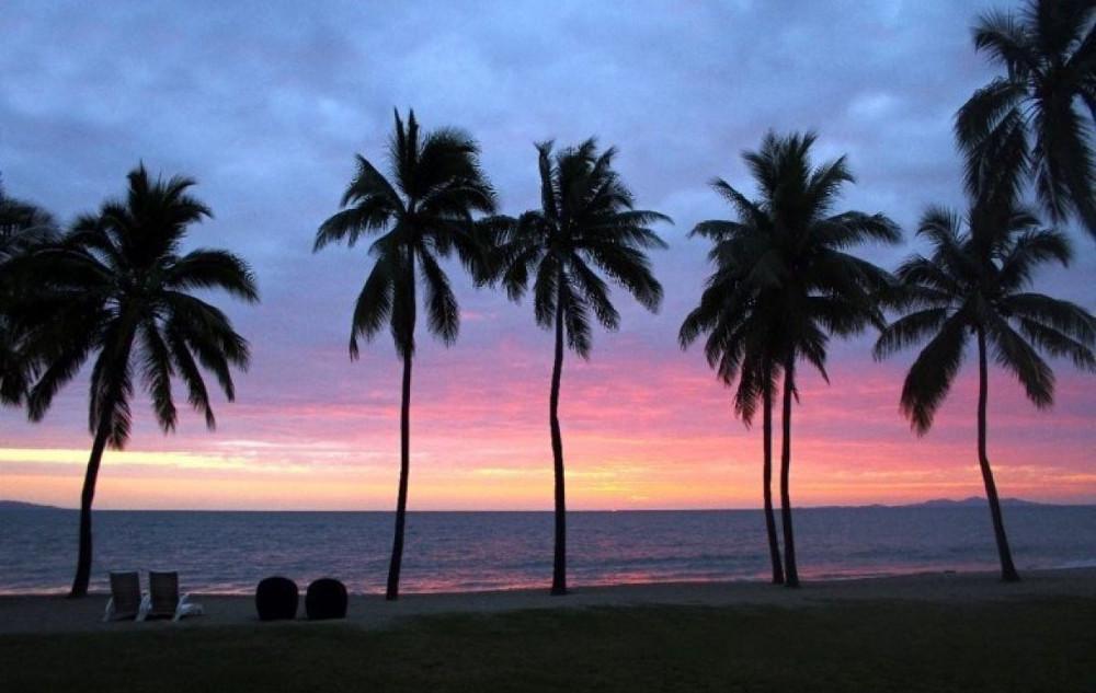 Tại Fiji, chưa bao giờ có tuyết rơi. Thứ bạn thường xuyên nhìn thấy ở đây là ánh nắng ấm áp của mặt trời.