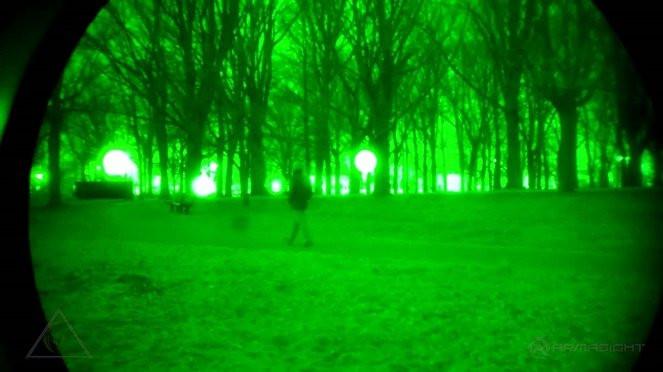 Tinh thể giúp nhìn thấy vật thể trong đêm tối đang trong quá trình hoàn thiện.