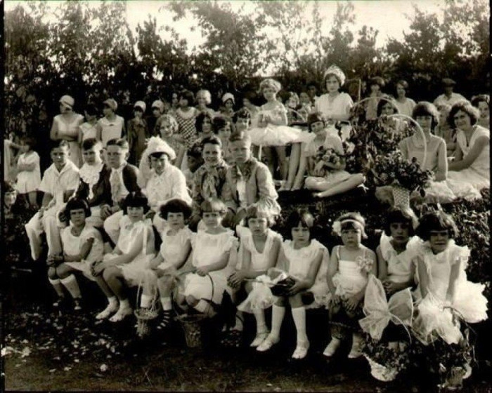 Những bức ảnh hiếm hoi về các con của bà Vassilyev.