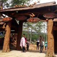 Đường hầm đất sét với những tác phẩm điêu khắc hoành tráng ở Đà Lạt