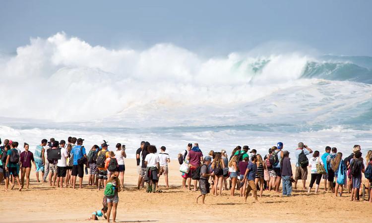 Bắc Đại Tây Dương thường là nơi có những con sóng khổng lồ
