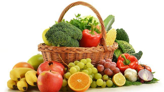 Nên tích cực ăn nhiều rau, trái cây, hạn chế ăn thịt, gia cầm, các loại thực phẩm có nhiều chất béo.