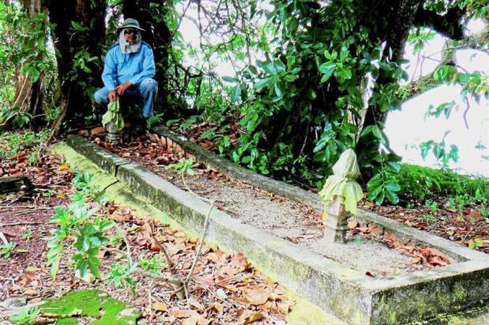 Ngôi mộ có kích thước lớn được phát hiện tại Pulau Upeh.