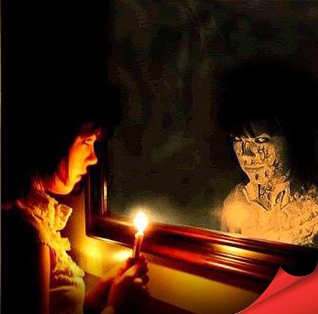 Chiếc gương có thể ghi nhớ và lưu giữ tất cả những cảm xúc và tình cảnh của người sử dụng trước đó.