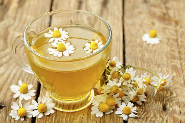 Trà hoa cúc giúp cơ thể ấm áp, dễ chịu.