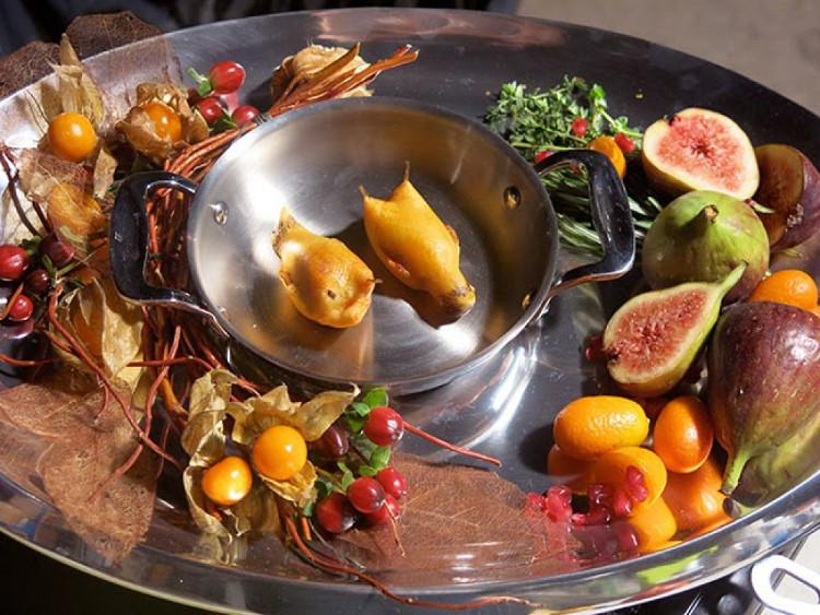 Thịt chim họa mi được chế biến qua bàn tay của những đầu bếp hàng đầu và có mặt trong thực đơn của những nhà hàng cao cấp nhất.