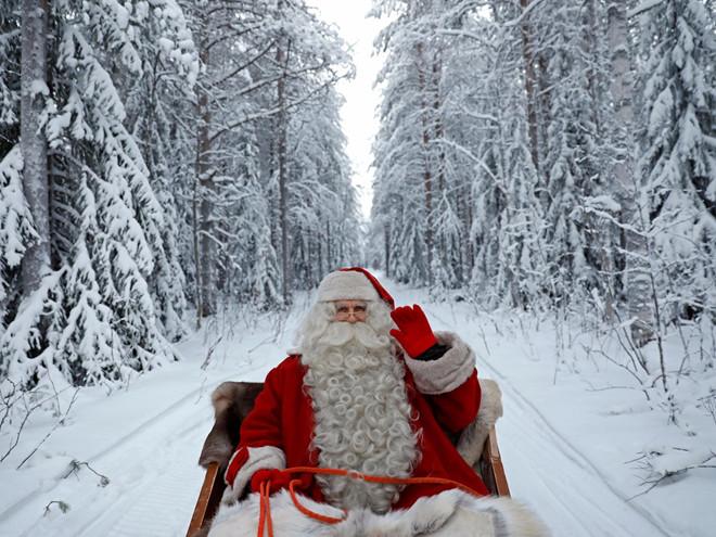 Làng Santa Claus ở Rovaniemi (Phần Lan) là nơi đặt văn phòng của ông già Noel