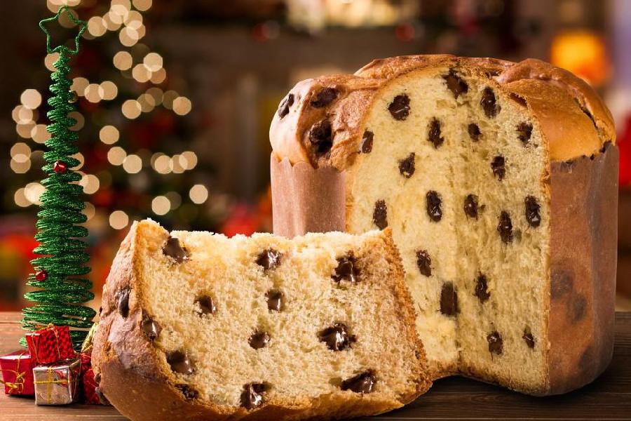 Bánh mỳ ngọt đặc trưng của Italy là Panettone có điểm chung với bánh Stollen của Đức là có vị nho khô và mứt trái cây.