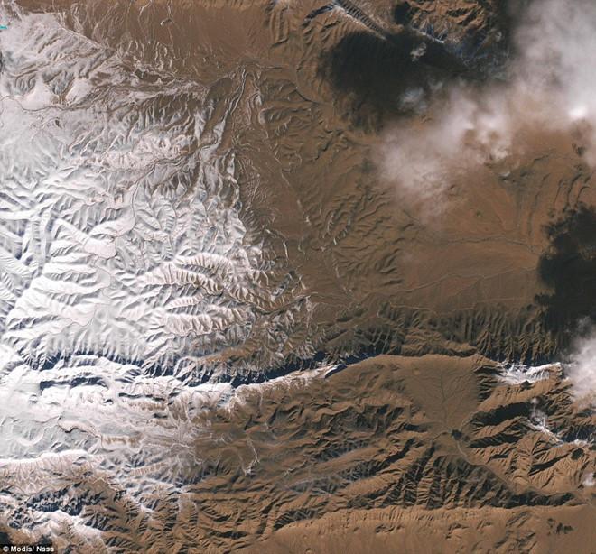 Ảnh vệ tinh chụp tuyết phủ ở khu vực Bắc Phi ngày 19/12