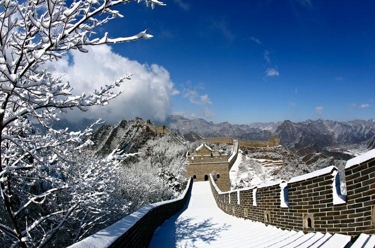 Vạn Lý Trường Thành tuyệt đẹp trong nắng tuyết.