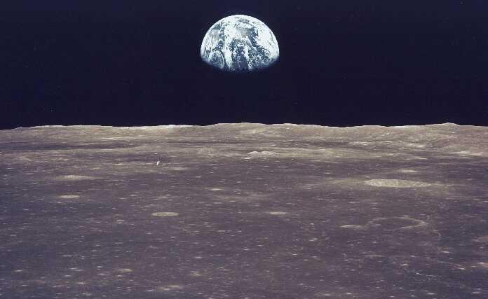 Rất nhiều người lầm tưởng có thể nhìn thấy Vạn Lý Trường Thành từ Mặt trăng.