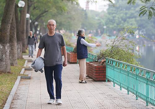 Hà Nội mùa đông năm 2016 vẫn nắng nóng như... mùa hè.