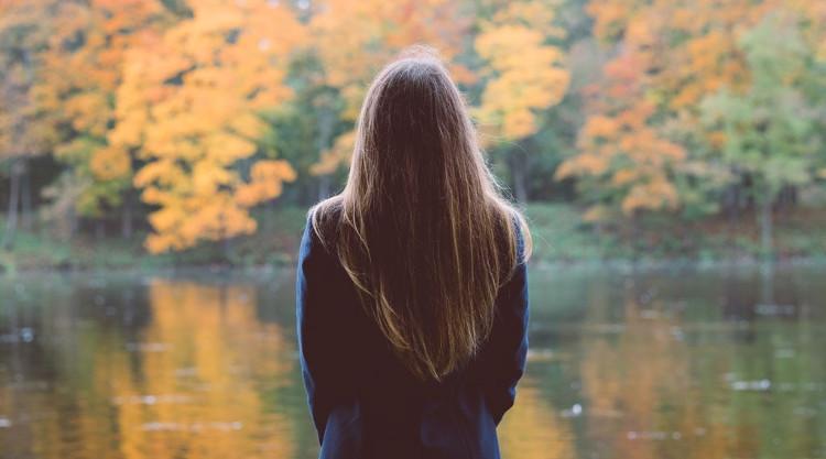 Khi thu đến lại dễ khiến người ta rơi vào trạng thái trầm cảm theo mùa.