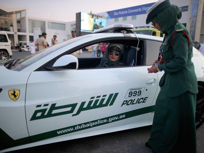 Dubai - đất nước có đội cảnh sát chuyên đi siêu xe sắp áp dụng hệ thống bắt tội phạm mới.