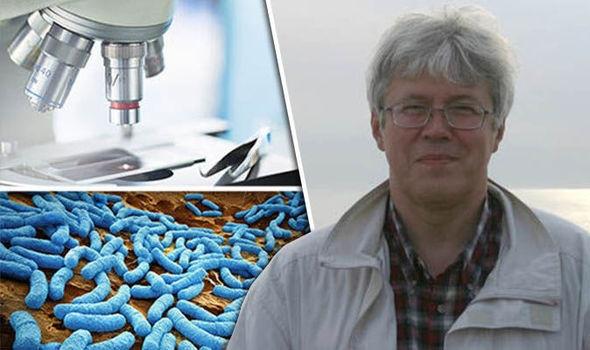 Tiến sỹ Brouchkov khẳng định mình không còn bị ốm đau gì kể từ khi tiêm vi khuẩn cổ đại vào cơ thể.