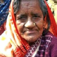 Bà cụ sống lại sau 40 năm tưởng chết vì rắn cắn