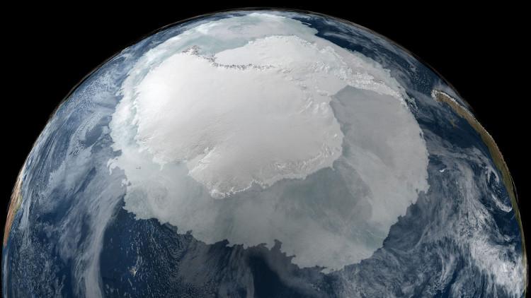 Vật thể được cho là thiên thạch ẩn dưới lớp băng Nam Cực có đường kính 243km.