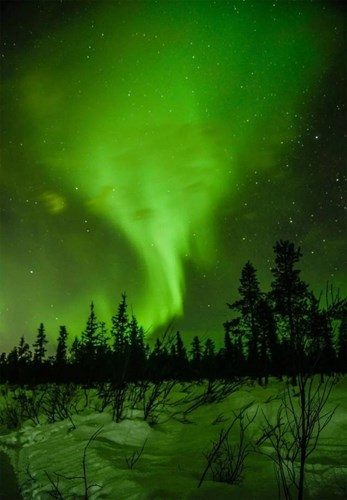 Theo truyền thuyết, những người được ngắm Bắc cực quang sẽ luôn hạnh phúc. Do đó, mỗi lần cực quang xuất hiện, người người nhà nhà đều không muốn bỏ lỡ khoảnh khắc đẹp này.