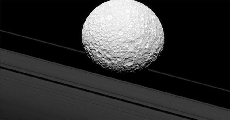 Các mặt trăng của sao Thổ cũng là ứng viên tiềm năng