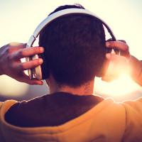 Tại sao bài hát hay khiến tâm trạng chúng ta tốt hơn?