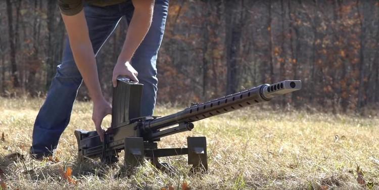 Mục đích của khẩu súng này không nhằm gây hư hại những thiết giáp, tăng hạng nhẹ của đối phương mà khả năng xuyên giáp của nó được sử dụng như một cách triệt hạ kíp lái trong xe.