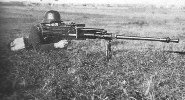 Mỗi quốc gia đều cố sản xuất cho riêng mình một loại súng trường chống tăng khác nhau với cỡ đạn tối thiểu phải đạt 12,7 ly cho tới 20 ly.