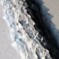 """Khe nứt khổng lồ ở thềm băng Nam Cực sắp """"đẻ con"""""""