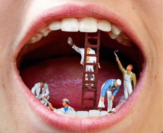 Hiện tượng nghiến răng xảy ra ở một số người.