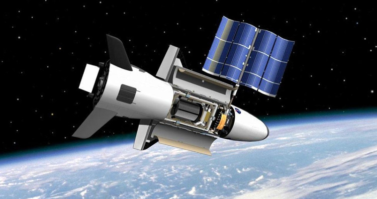 Máy bay X-37B đã ở 600 ngày trên quỹ đạo Trái Đất.