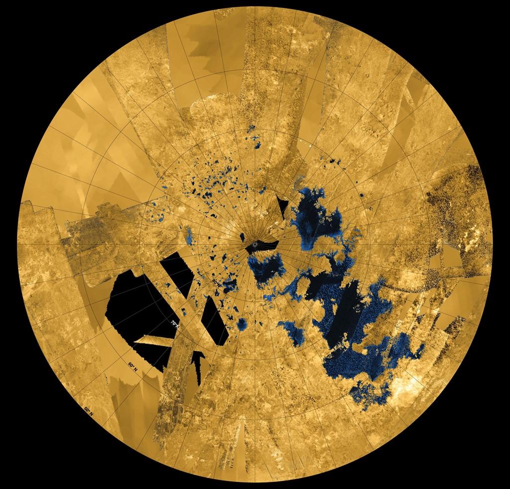 Vùng đất ở cực bắc của Titan với các hồ hydrocarbon và biển.