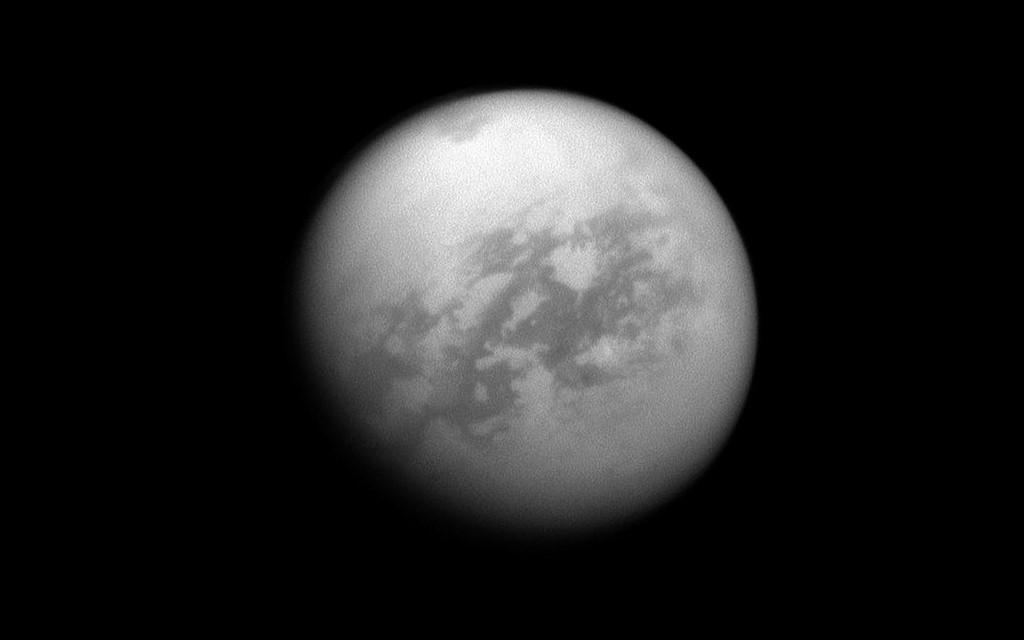 Vị trí các hồ hydrocacbon và cồn băng của Titan