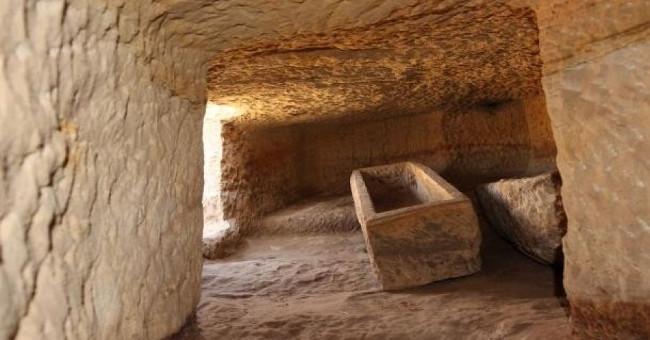 Một ngôi mộ mới tìm thấy trong quần thể mộ cổ đại Gebel el Silsila