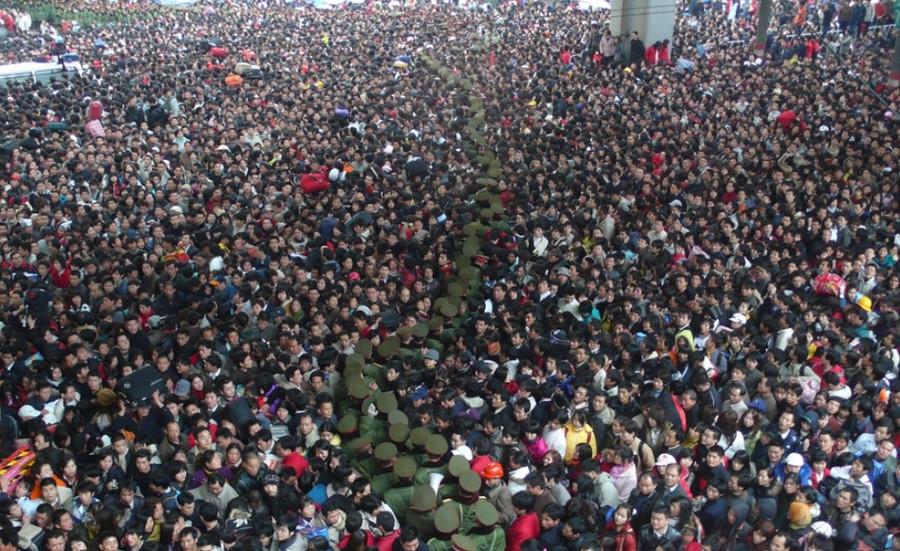 Năm nào người dân Trung Quốc cũng phải trải qua tình cảnh hãi hùng như thế này.