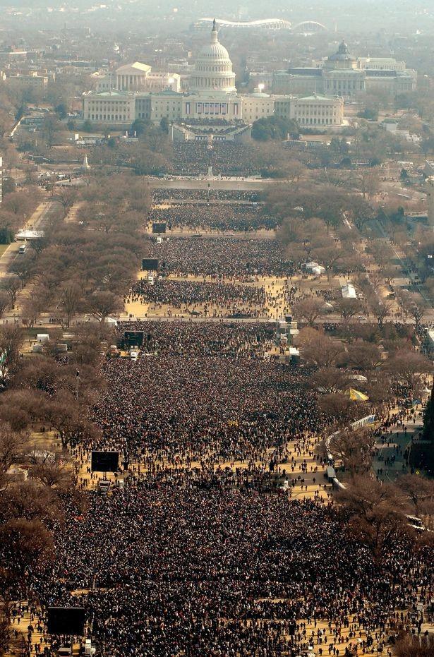 Đông đảo người dân tới xem lễ nhậm chức của Tổng thống Mỹ Barack Obama năm 2009.